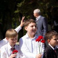 Дети - они и в День Победы дети... :: Ирина Рассветная