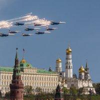 Салют, Москва! :: Андрей Вигерчук