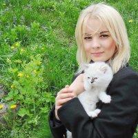 Девушка и кот 1 :: Ростислав