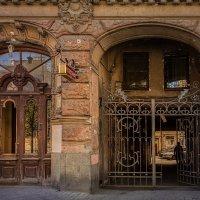 Прекрасная архитектура в отвратительном состоянии.( :: Николай