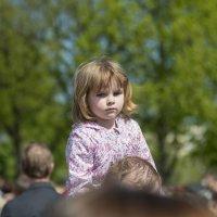 На празднике над толпой :: Александр Степовой