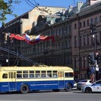 Старый троллейбус :: Наталья Левина