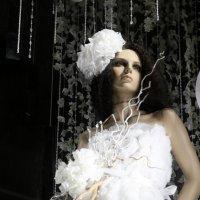 белое платье белый бант в белокаменной :: Олег Лукьянов