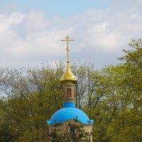 Вдали от шума городского часовенка стоит... :: Tatiana Markova