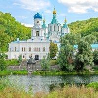 Святогорский монастырь :: Дмитрий Кулиненко