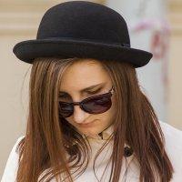 В шляпке :: Александр