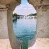 На мост сквозь мост взирая... :: Виктор Никаноров