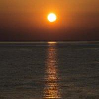 Рассвет на Средиземной море :: Алексей Ярошенко