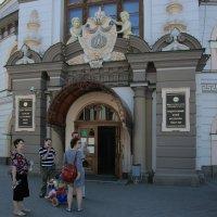 у здания нац музея татарстана :: Лидия кутузова