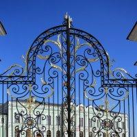 Роскошные ворота. Казань. Кремль. :: Лидия кутузова