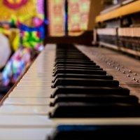 Play the music :: Дмитрий Комлев