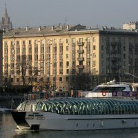 прогулка по реке :: Олег Лукьянов