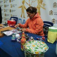 Машенька -  мастерица делать кукоколки обереги! :: Ольга Кривых