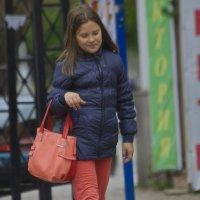 Красная сумочка :: M Marikfoto