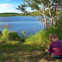 Девочка и озеро. :: kolin marsh