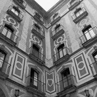 ....лепные колонны Montserrat :: Александр Липецкий