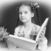 Девочка с книгой :: Александр Назаров