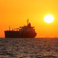 закат на море :: Ефим Журбин