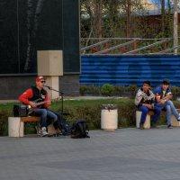 Уличный музыкант :: Ruslan M