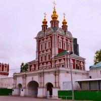 Храм Спаса Преображения над северными воротами :: Владимир Болдырев