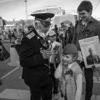 Урок истории (Поцелуй ветерана) :: Алексей Окунеев