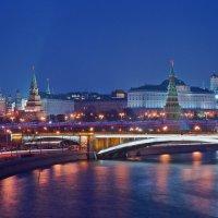 Классический вид на Кремль :: Alex