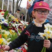Мальчик с цветами :: imants_leopolds žīgurs