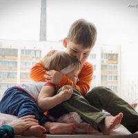 Любовь брата к сестричке))) :: Анна Филипулова