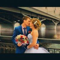 Свадебная прогулка :: Александр Кузьминов