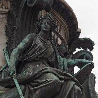 Фрагмент памятника Николаю I на Исакиевской площади. :: Владимир Питерский