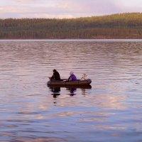Двое в лодке не считая, собаки. :: Валентина Налетова