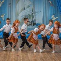 Танец с ложками. :: Геннадий