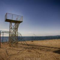 На крымском пляже :: Алексадр Мякшин