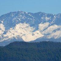 Вид с горы Ахун - в утренней дымке... :: Александр