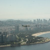 Вид на пролетающий самолет и Рио :: Анна Бушуева
