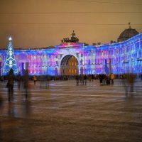 Дворцовая площадь. Лазерное шоу. :: Юрий Тихонов