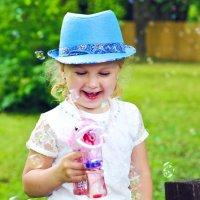 Улыбнитесь, потому что жизнь — прекрасная вещь и есть много причин для улыбок! :: Ксения Заводчикова