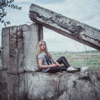 На развалинах :: Ната Анохина