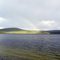 Радуга над озером. :: Галина Полина