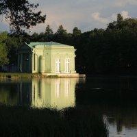 павильон на озере :: sv.kaschuk