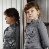 Девочка и зеркало :: A. SMIRNOV