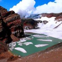 Голубое озеро(вулкан Горелый) :: Василий
