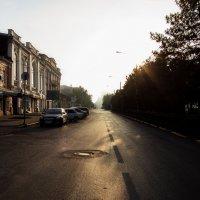 Постепенно просыпается город... :: Виталий Павлов