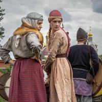 Оценивают.... у кого меч красимше :: Владимир Колесников