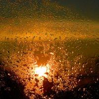 солнечный рассвет после ненастной ночи :: Александр Корчемный