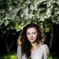 Ночной портрет в яблонях :: Алексей Латкин