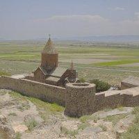 Монастырь - крепость Хор Вирап в полуденный зной :: M Marikfoto