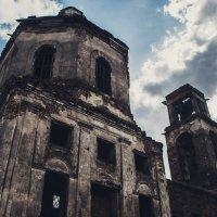 Заброшенная Церковь :: Эдвард Бескровный