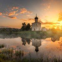 майский рассвет на Нерли :: Эдуард Гордеев