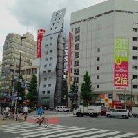 На улице в Токио :: Valera Kozlov